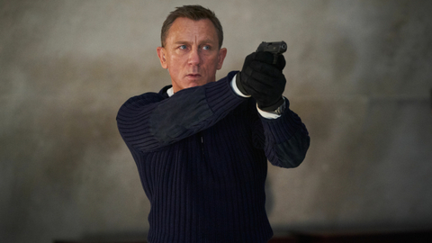 Daniel Craig jako James Bond.