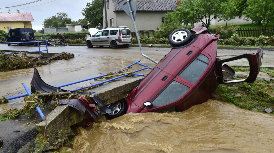 Záplavy v Olomouckém kraji mají jednu oběť, bouře se přehnaly přes ...